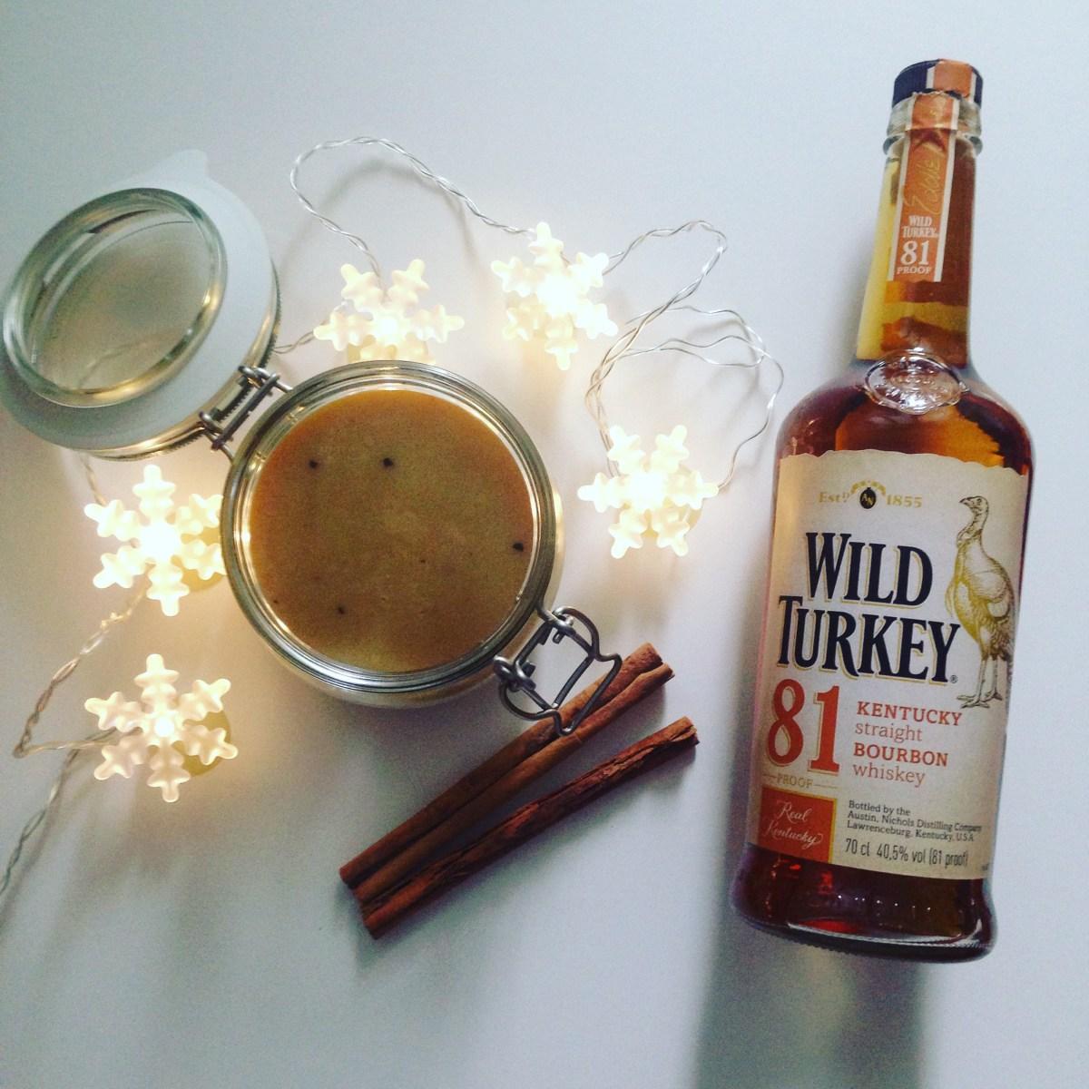 Kořeněná karamelová omáčka s bourbonem
