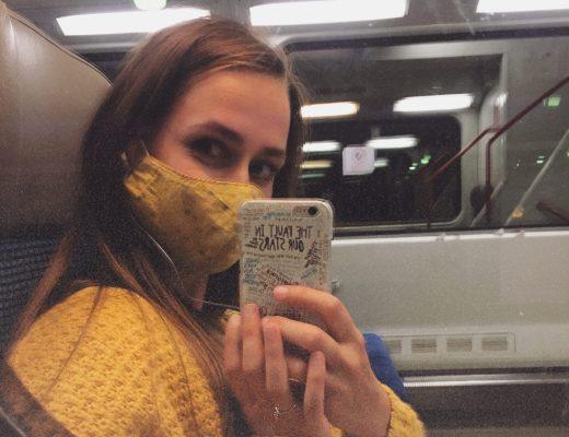 rouška ve vlaku