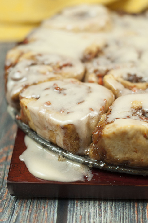 Carrot Cake Cinnamon Rolls {Wishes & Dishes}