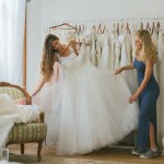 7 Tips for Renting a Wedding Dress