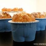 Rabarbarowo-cynamonowe muffinki w spodenkach :)