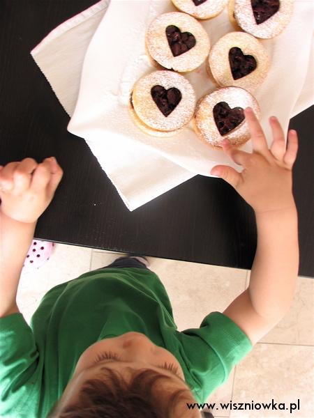 Ciasteczka z wiśniową konfiturą