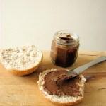 Daktylowy krem czekoladowy do kanapek