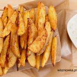 Przekąska na mecz: pieczone ziemniaczki i sos Tzatziki