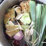 Bulion warzywny z resztek warzyw