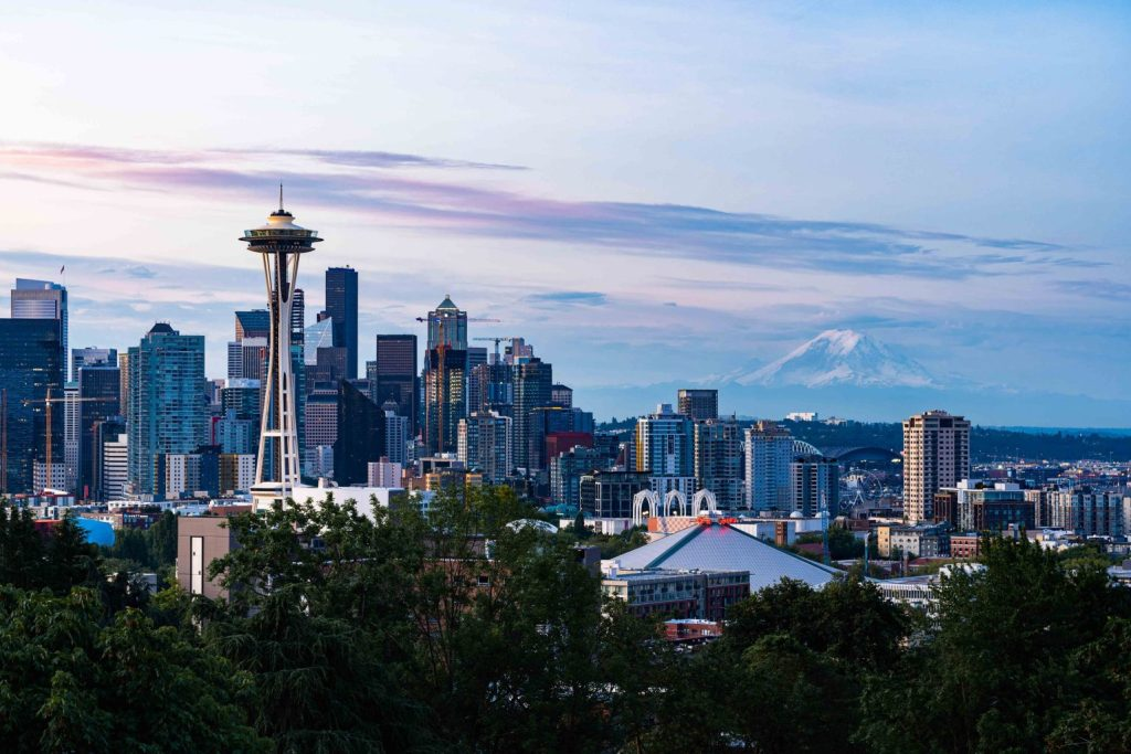 Sunrise over Seattle skyline from Kerry Park - witandfolly.co