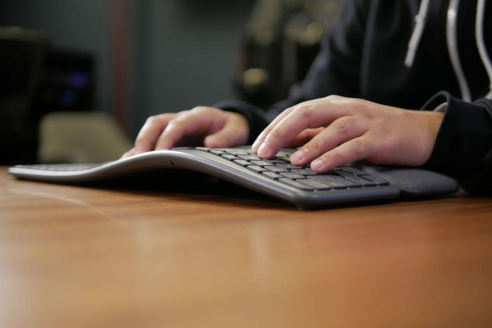 Logitech Ergo K860 keyboard REVIEW