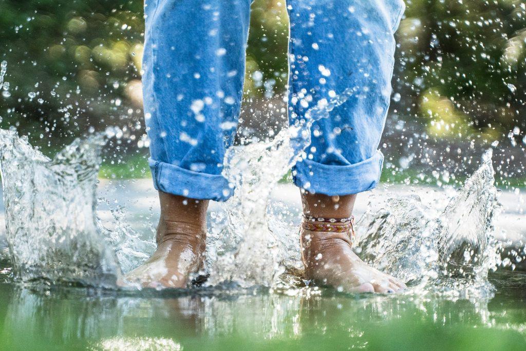 Spring boots splashing