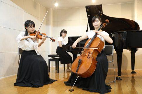 バイオリン・チェロ・ピアノ