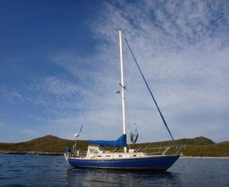 Brio at anchor in Isla Isabel