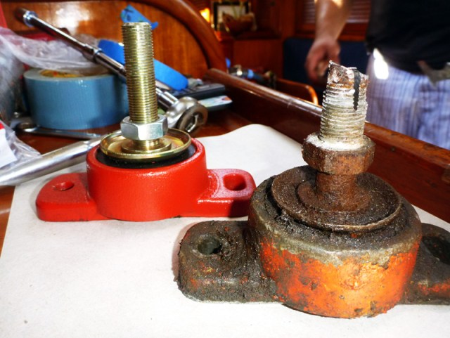 Before & After: Old engine mount and new freshly-painted mount