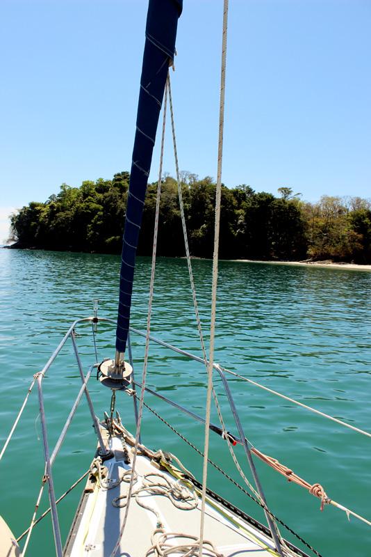 Brio at anchor in Isla Gamez