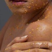 donna esfoliazione viso e corpo