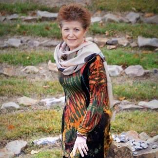 Gloria Weichand, Spiritual Medium