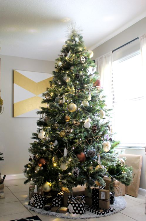 Neutral and Gold Christmas Tree