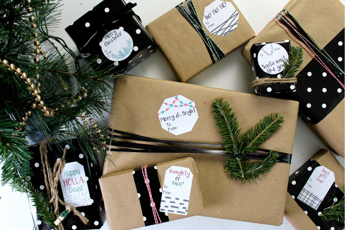 Using labels instead of tags for holiday gifts.