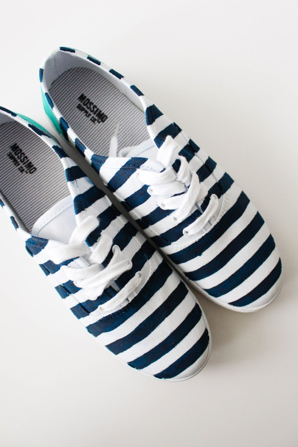 Creating your own pair of patterned striped canvas shoes