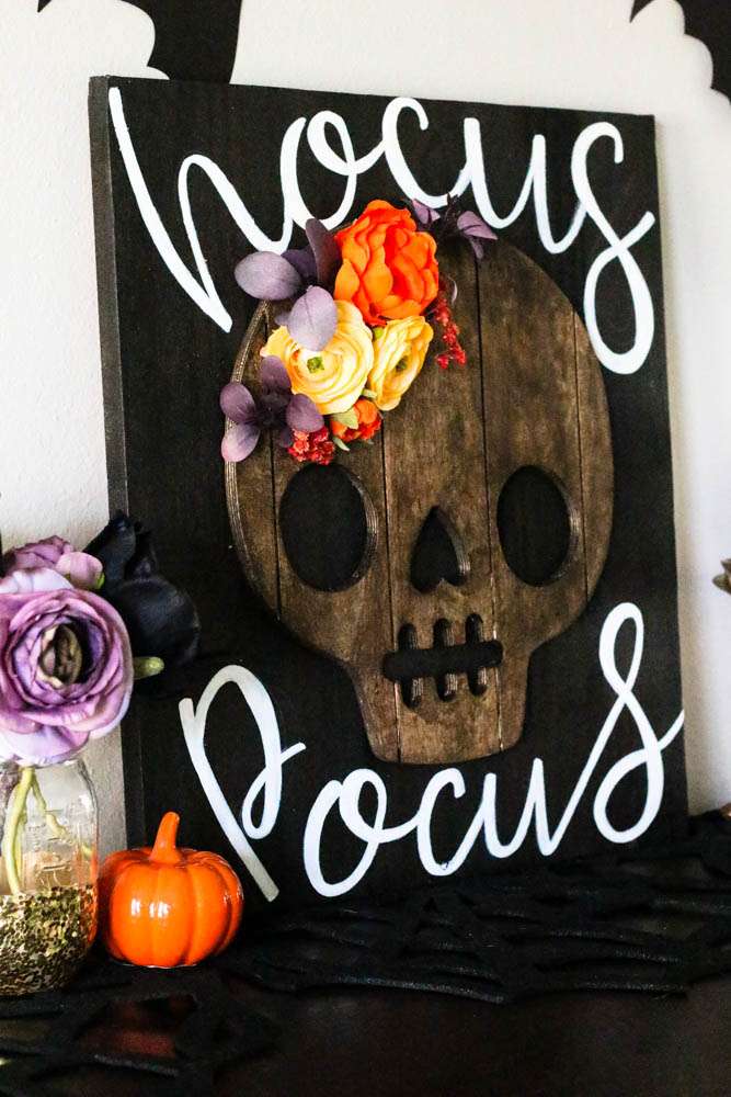 DIY Hocus Pocus Halloween Sign