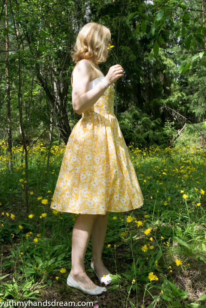 Sew Over It Rosie dress, sewn by me using Liberty cotton tana lawn, side view.