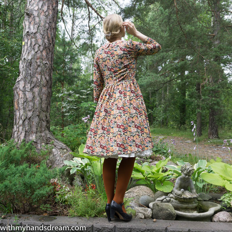Image: My autumn dress, back view.