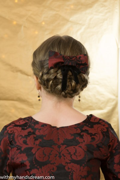 The hair bow.