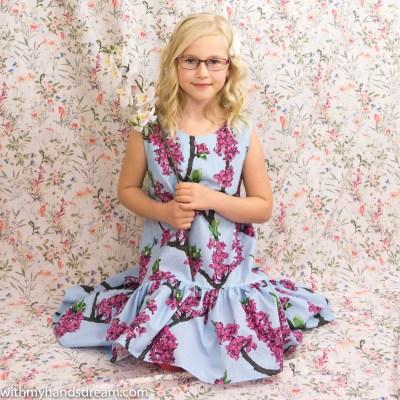 Beautiful E in her Maiden of Finland dress aka Suomi-neito-mekko.