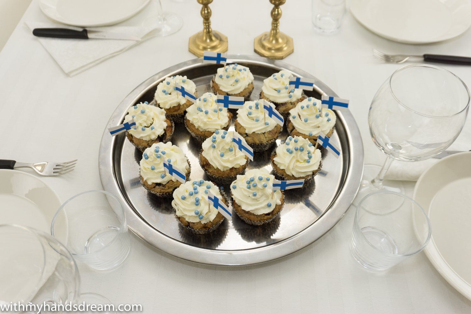 suomi-100-v-finland-100-years-make-blue-and-white-muffins-to-celebrate