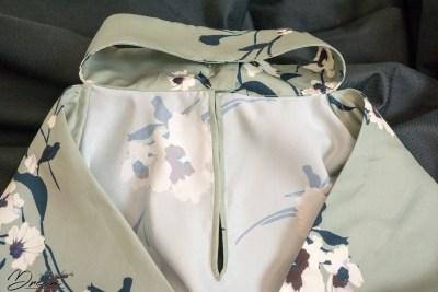 Prague blouse detail: the neckline slit binding.