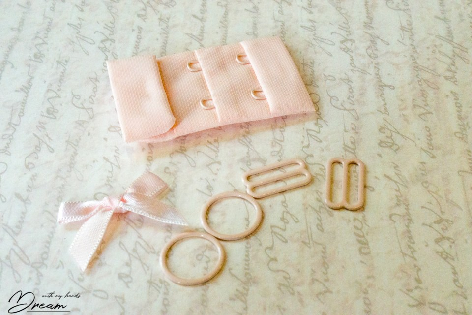 The small findings kit.