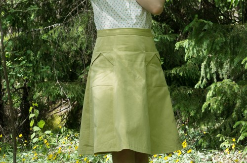 My vintage outfit: The Gertie blouse Butterick B6563 and the 1940s skirt Simplicity 3688.