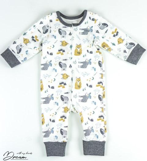 Baby sleepsuit.