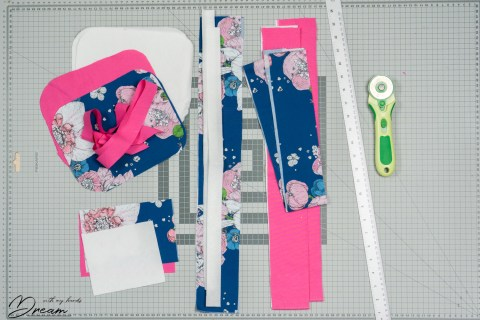 Constructing the lunch bag: pattern pieces.