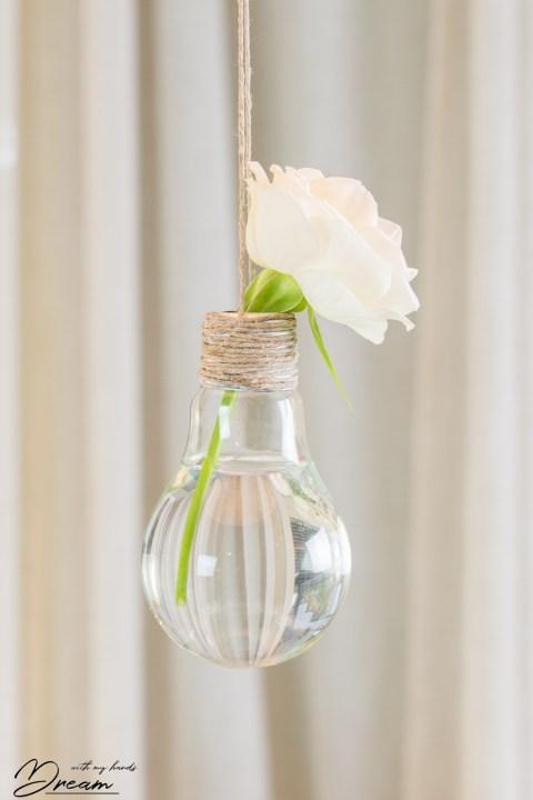 The finished light bulb vase.