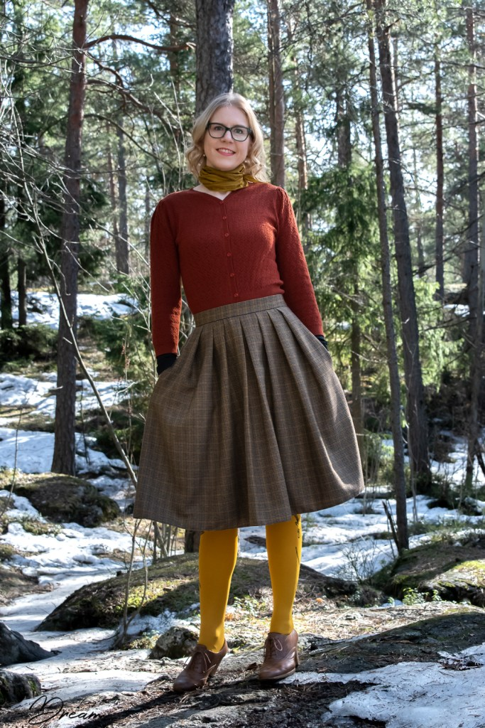The finished Sew Over It Lizzie skirt.