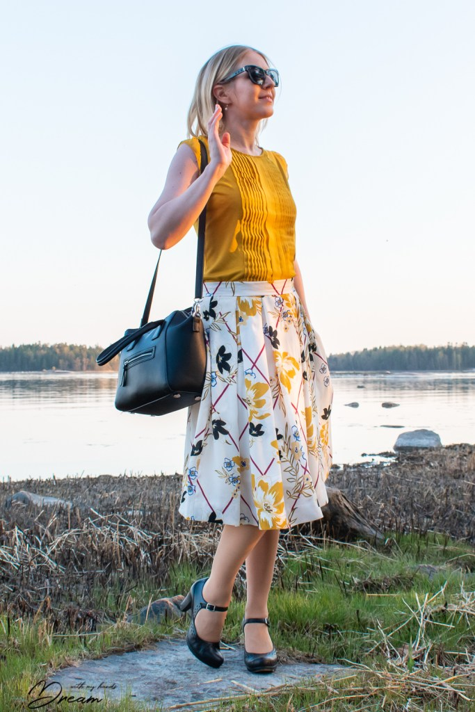 My viscose crepe skirt, made with Burda 6341.