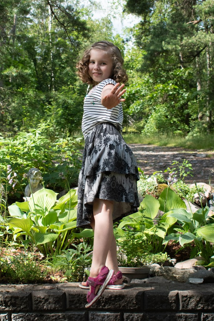 S and her new ruffled skirt from Ottobre design 1/2011 15. Cocos.