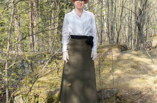 My WW1-era blouse.