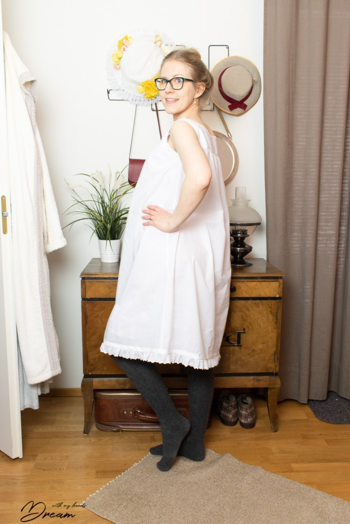 A side view of the chemise.