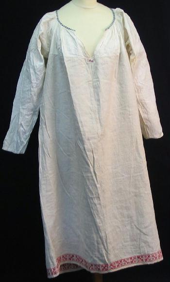"""Rätsinä"" shirt, Tampereen museot, HM 188:27"