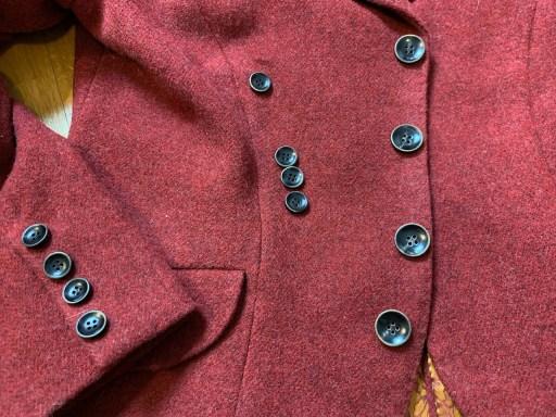 Horn buttons.
