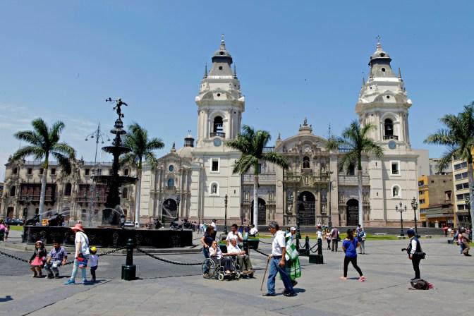 Plaza de Armas Lima Peru - JoeBaur