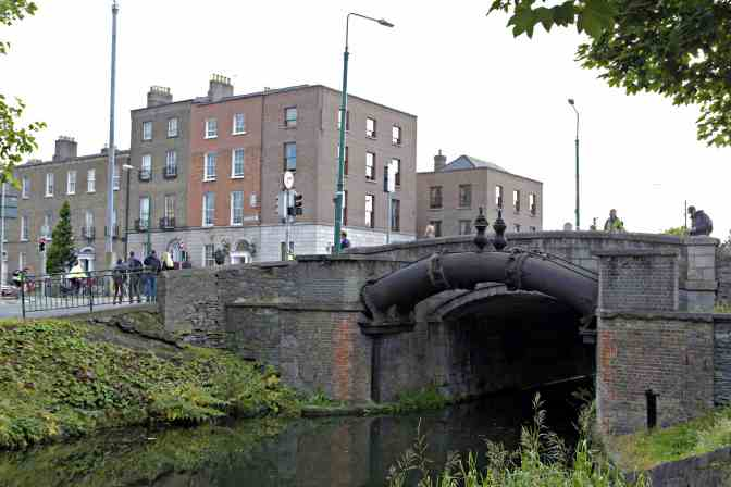 Grand Canal Dublin Ireland - JoeBaur