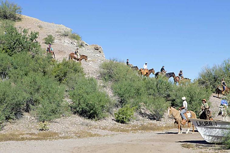 burro-riding-agua-verde-baja-california-sur-mexico