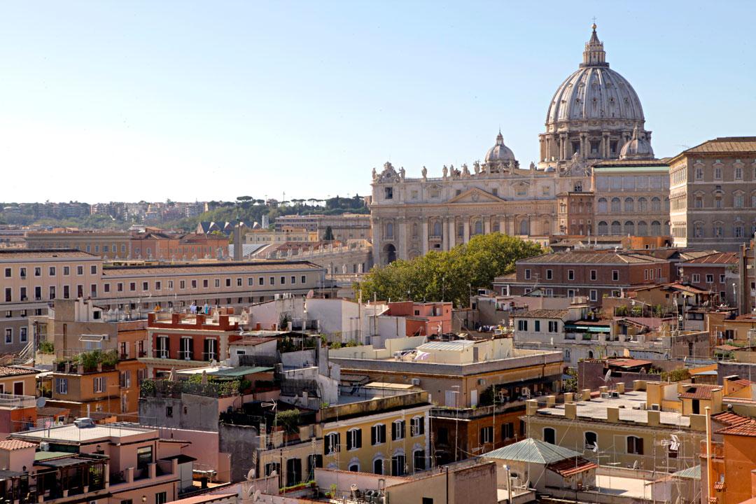 st-peters-basilica-rome-vatican-skyline-hotel-atlante-star