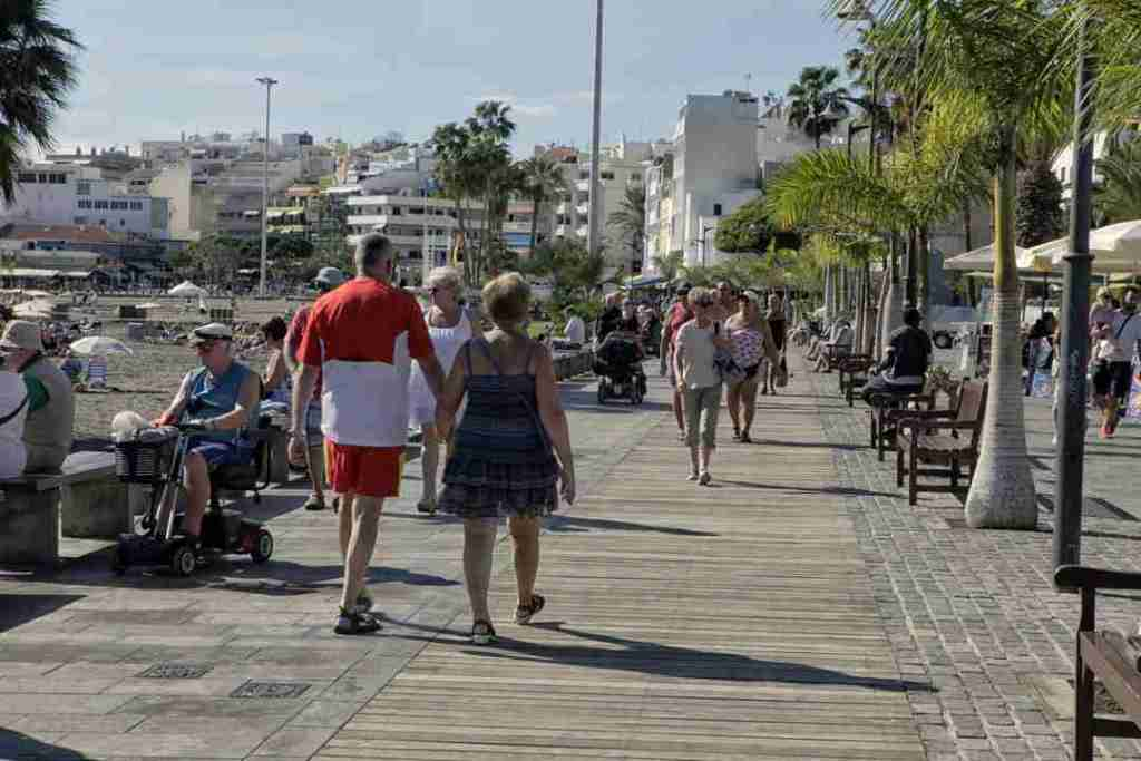 Los-Cristianos-Paseo-in-Tenerife-Spain