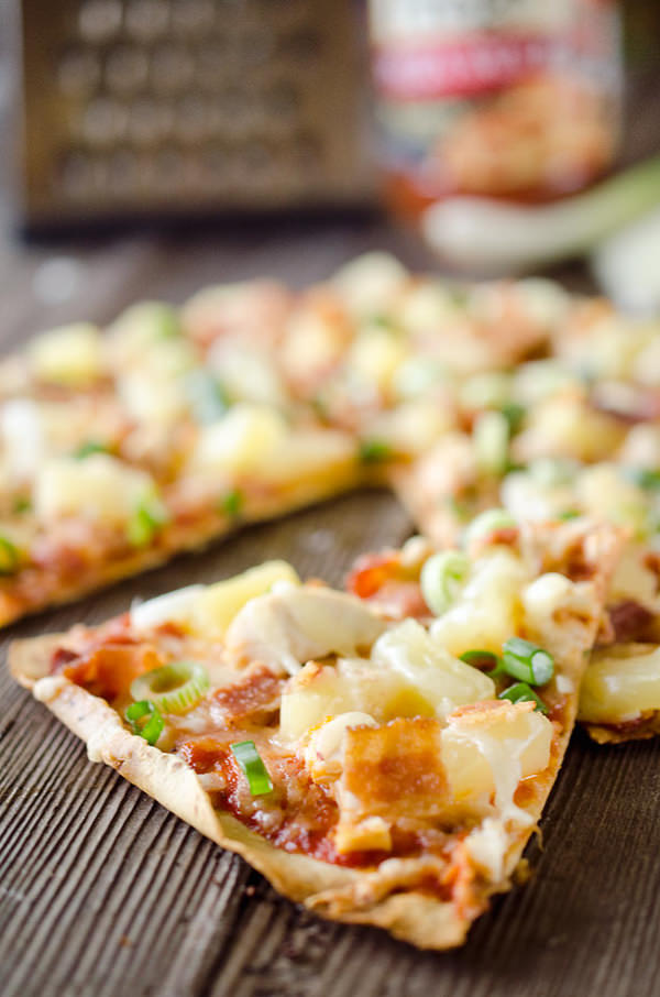 Light Pineapple, Chicken & Bacon Pizza is an easy and healthy dinner with juicy pineapple, sharp Manchego cheese, shredded chicken and crispy bacon on a thin and crispy tortilla crust.