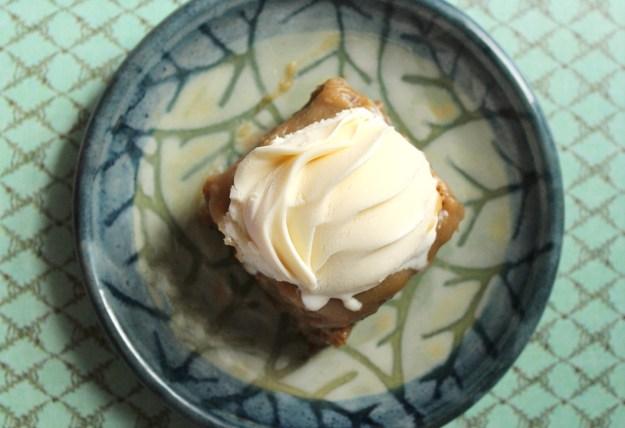 Sticky Toffee Pudding Slice 01