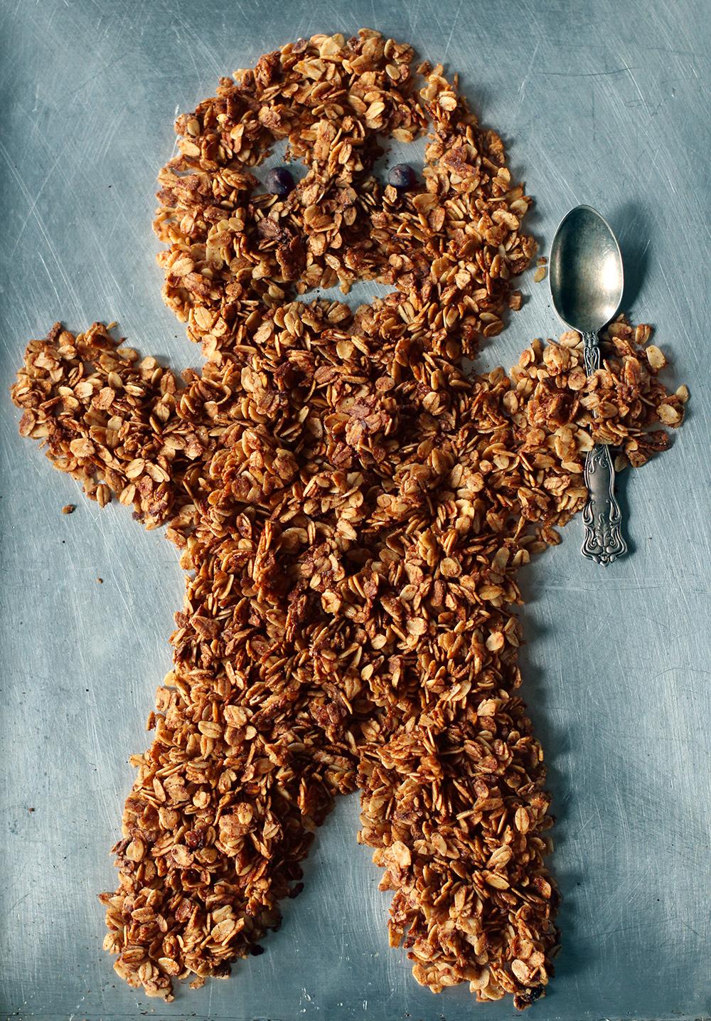 Gingerbread Granola // www.WithTheGrains.com