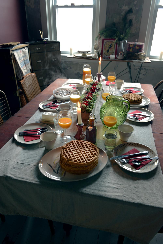 Fried Chicken & Butternut Squash Spelt Waffles for Brunch // www.WithTheGrains.com
