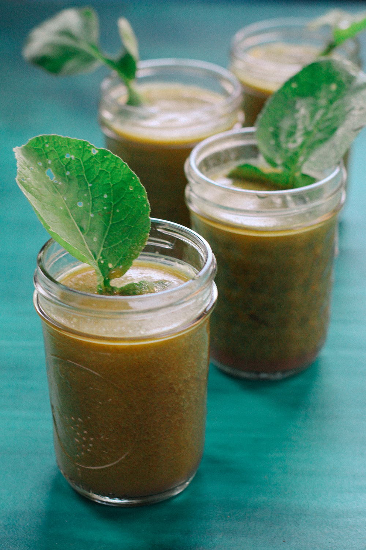 Kohlrabi Greens Juice // www.WithTheGrains.com
